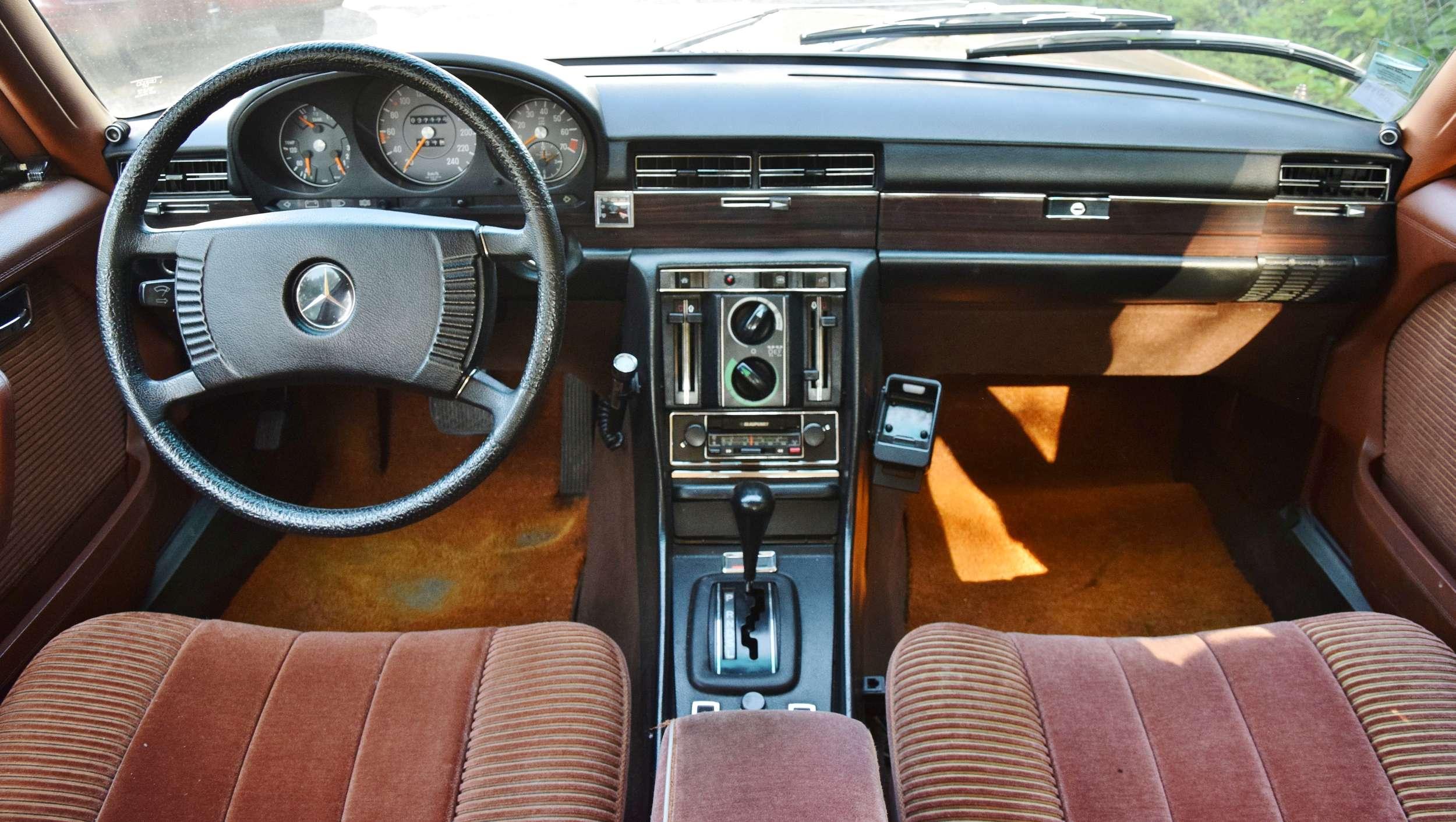 Mercedes 350 SE 12