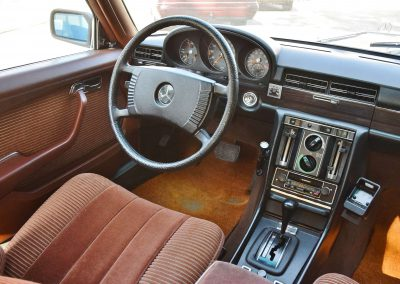Mercedes 350 SE 14