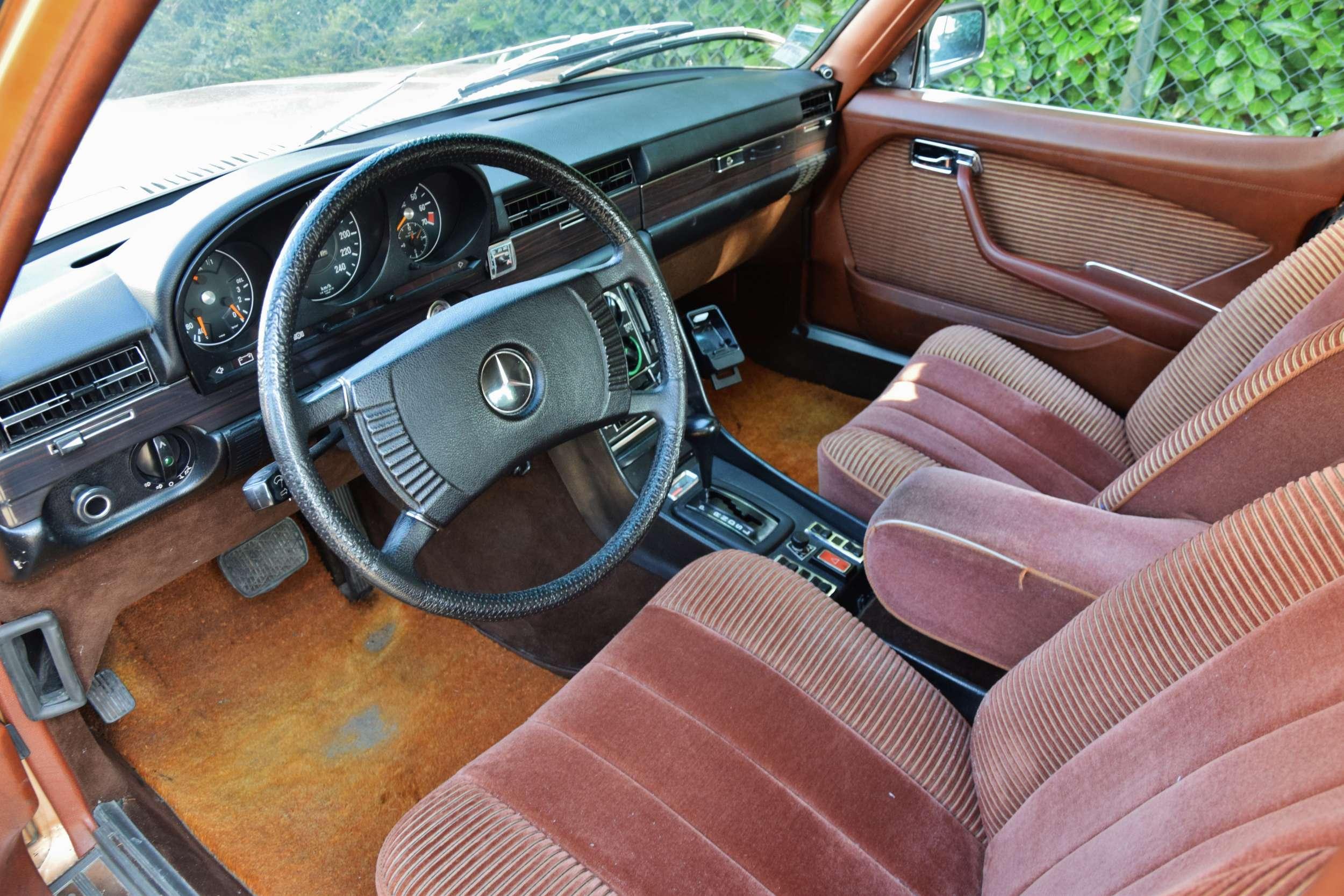 Mercedes 350 SE 2