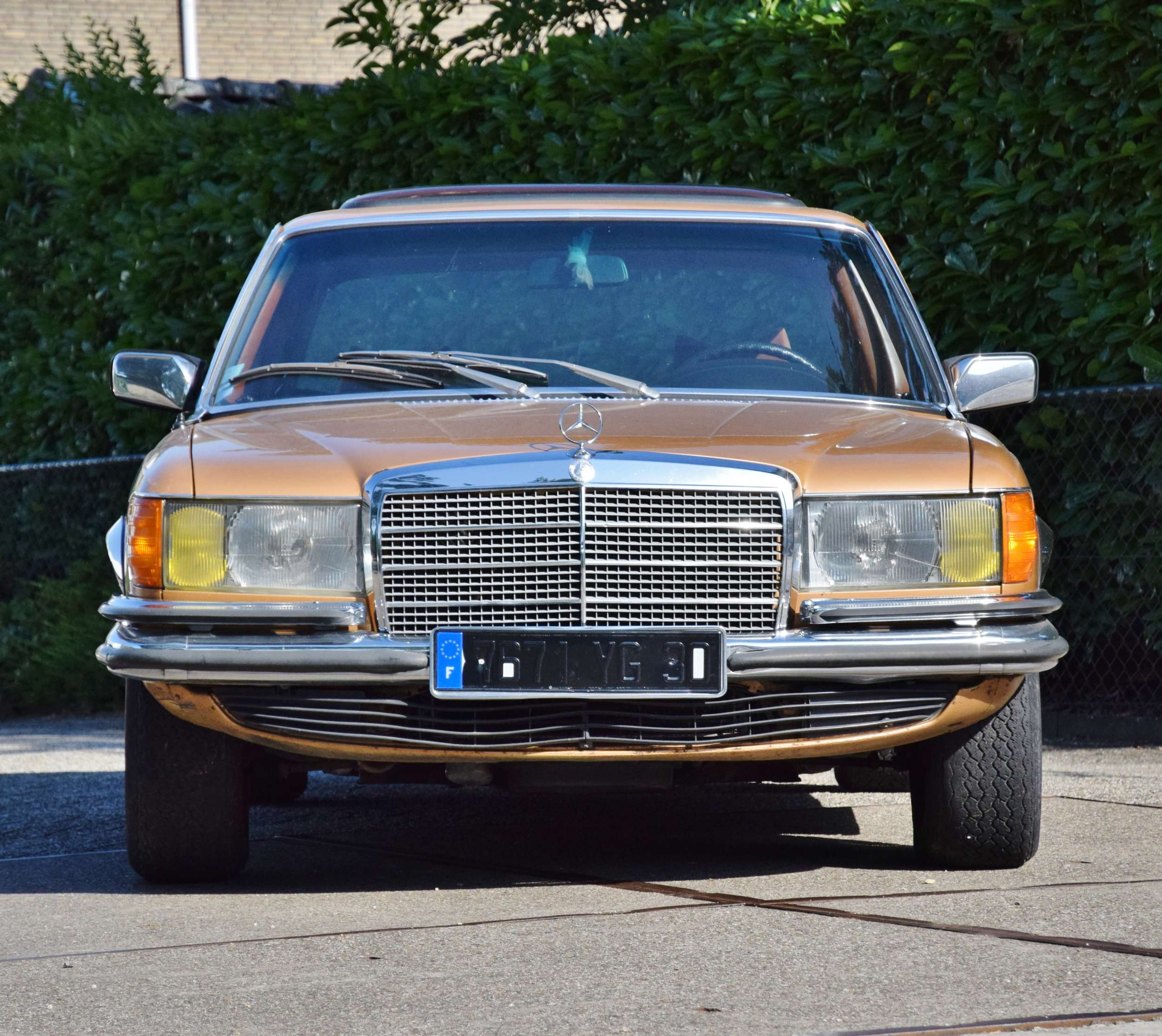 Mercedes 350 SE 33