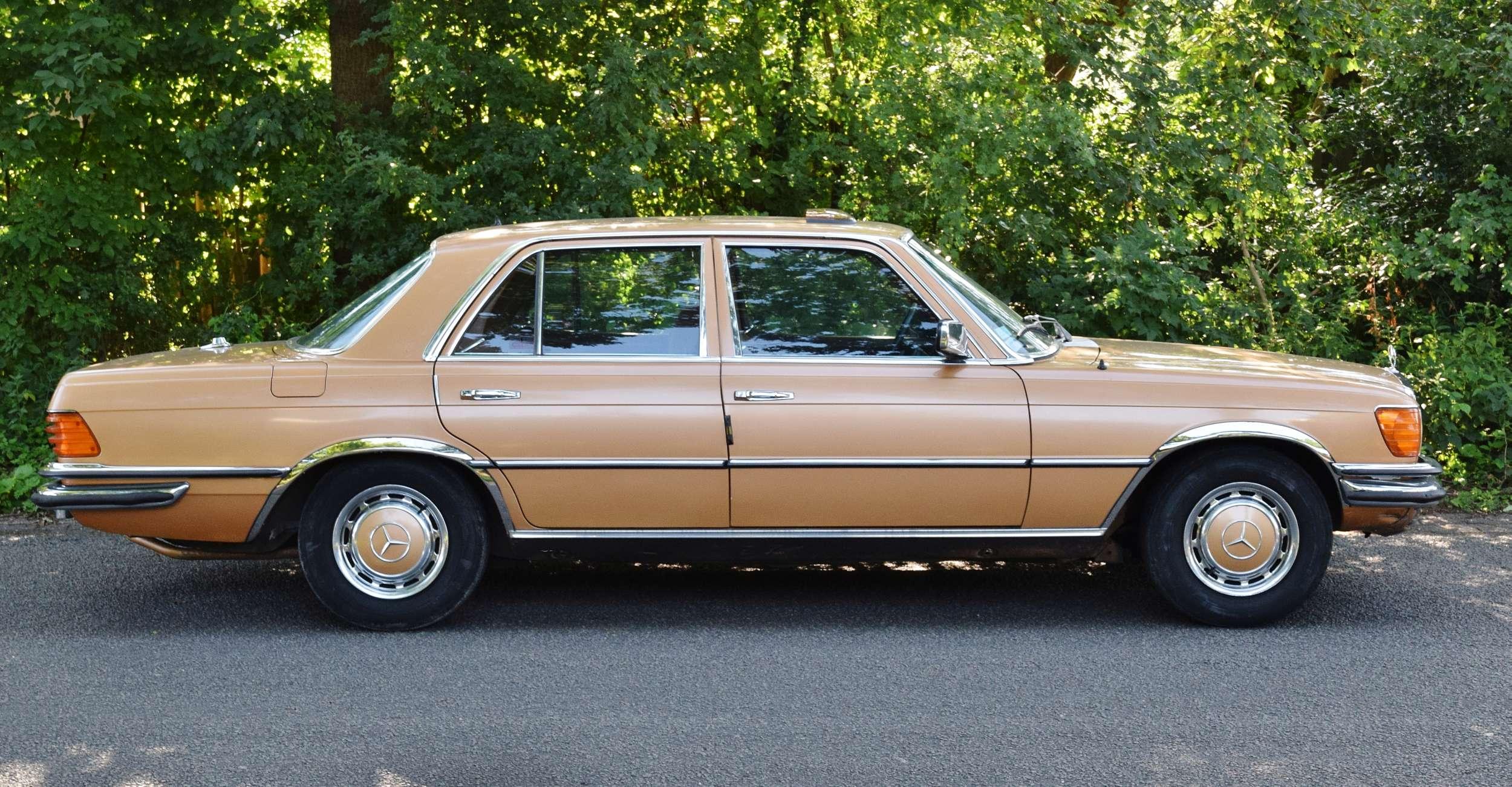 Mercedes 350 SE 44
