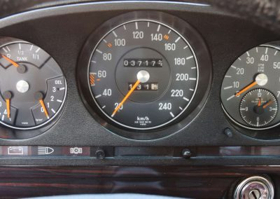 Mercedes 350 SE 7