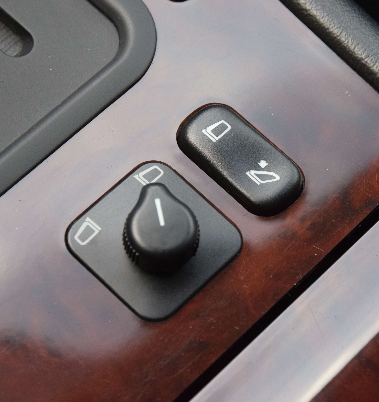 Mercedes E320 14