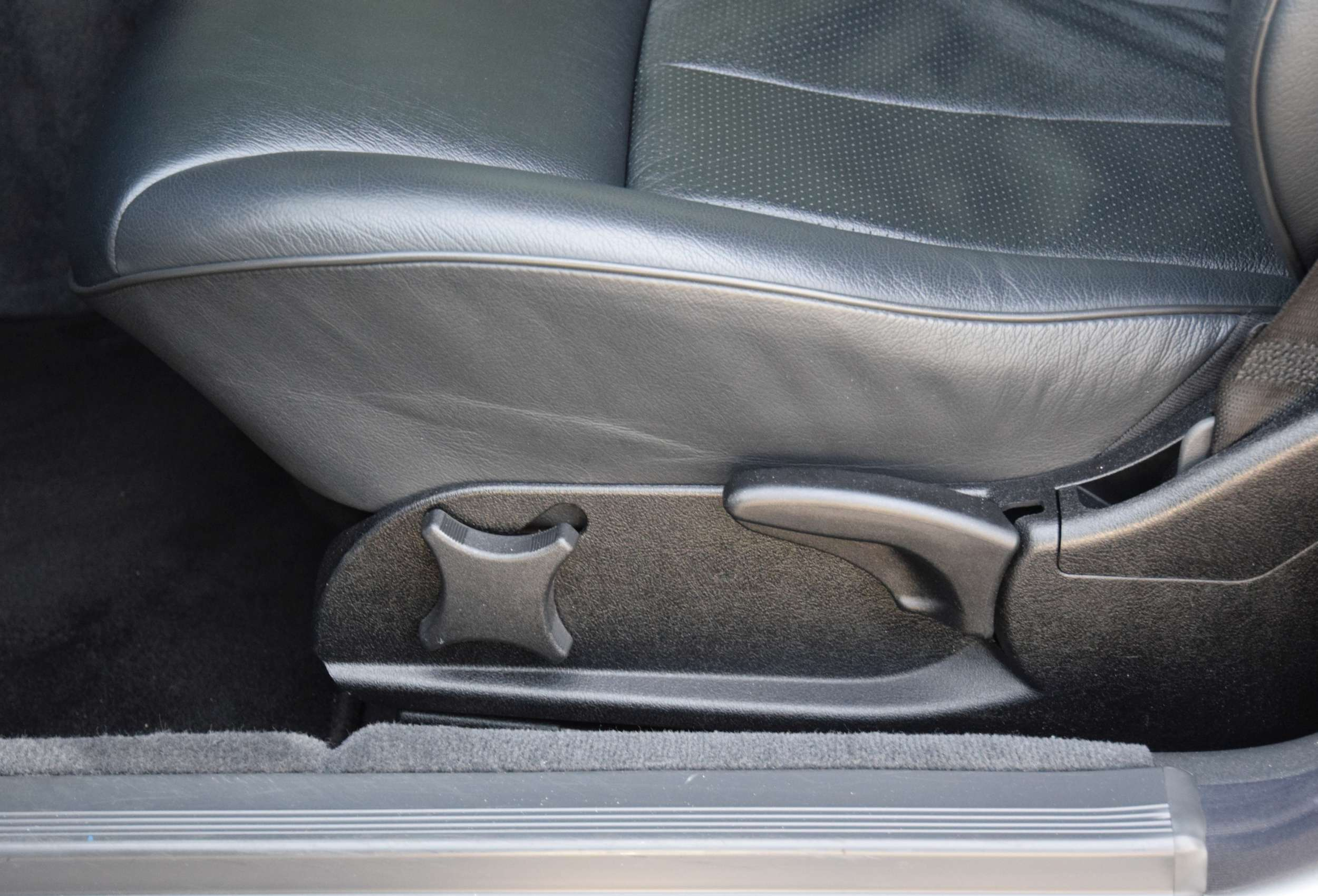 Mercedes E320 28