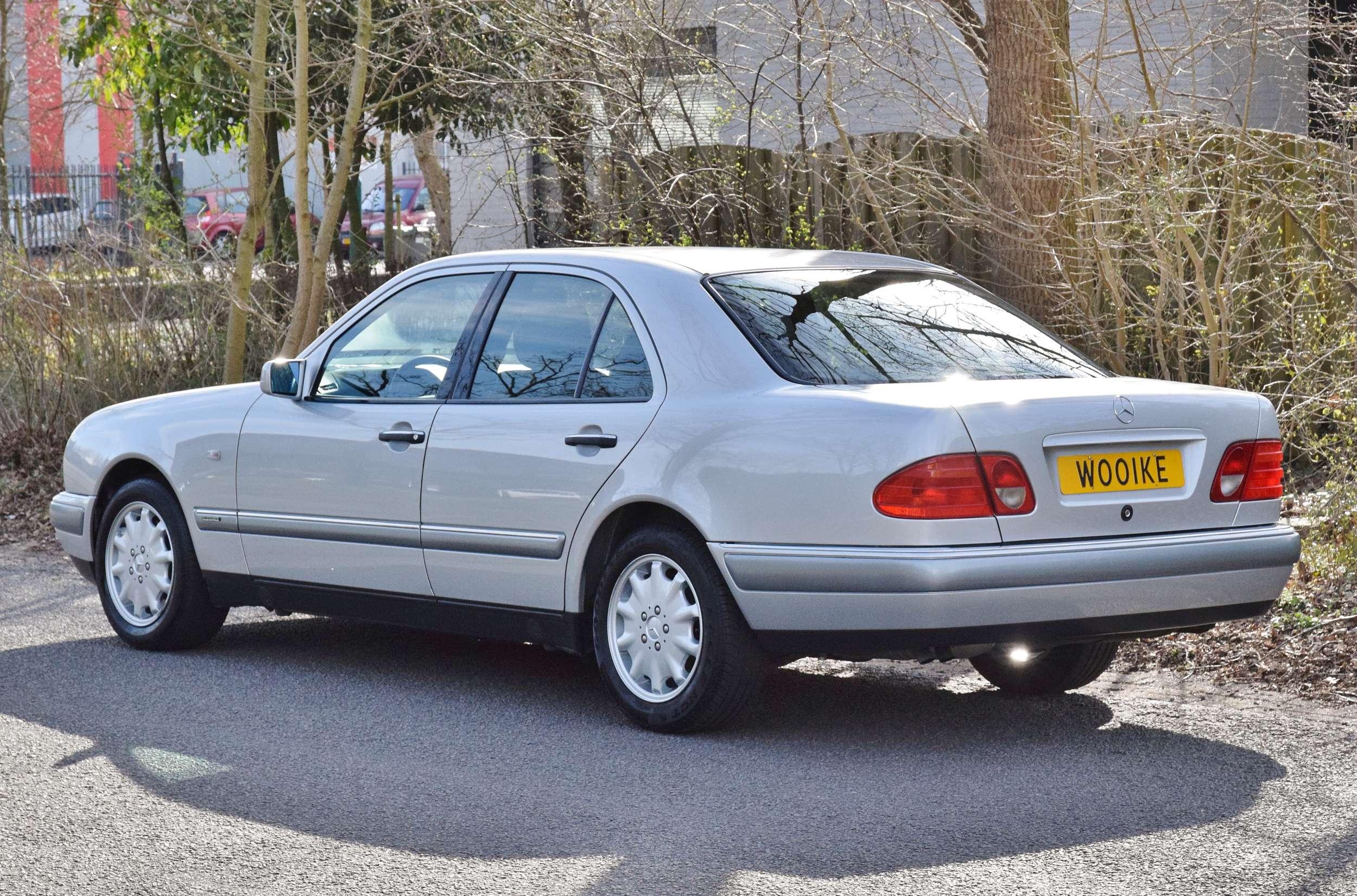 Mercedes E320 45