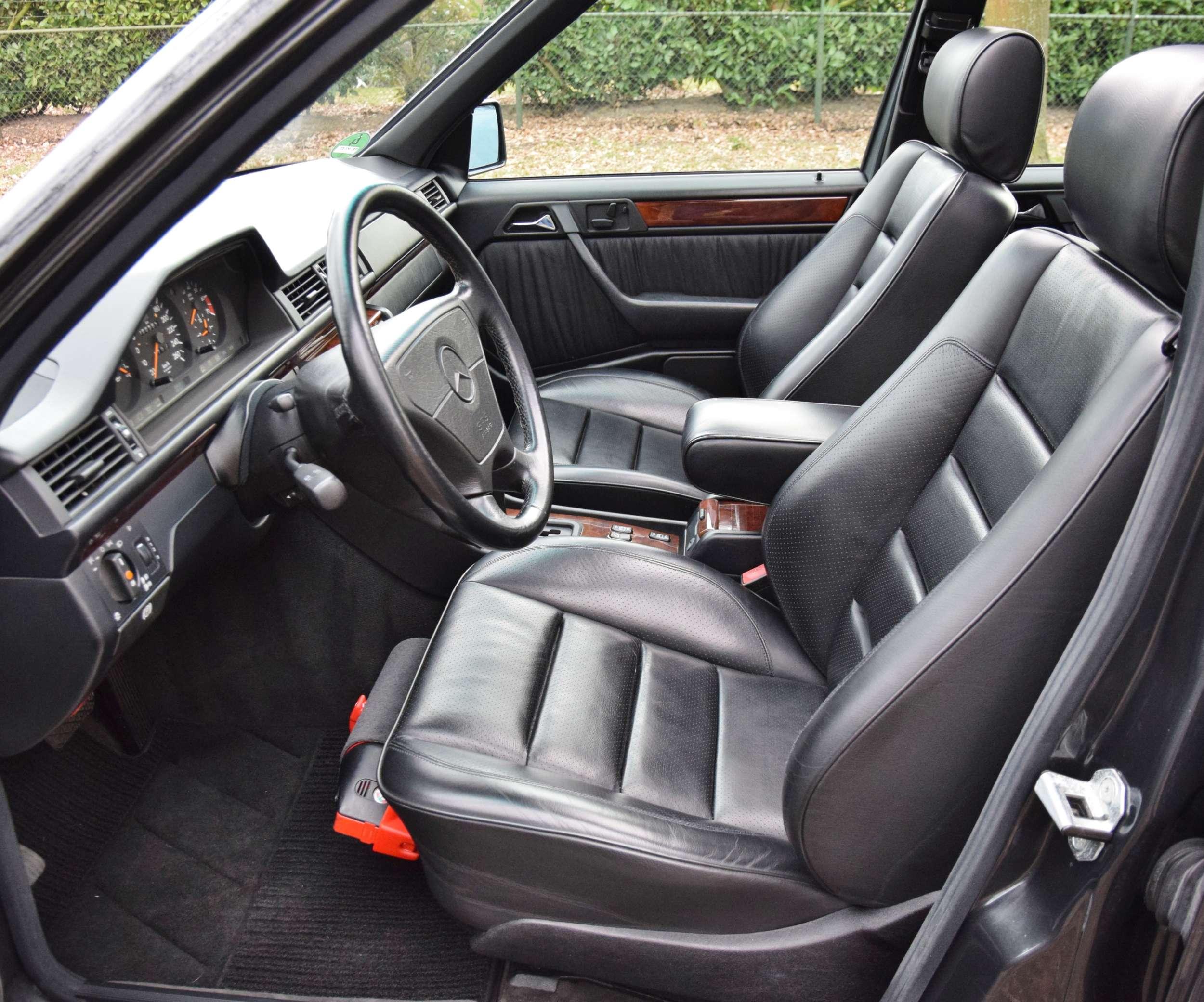Mercedes E500 11