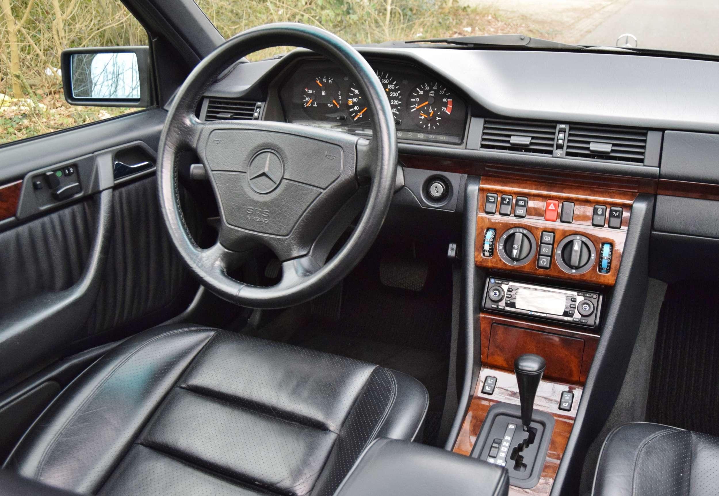 Mercedes E500 22