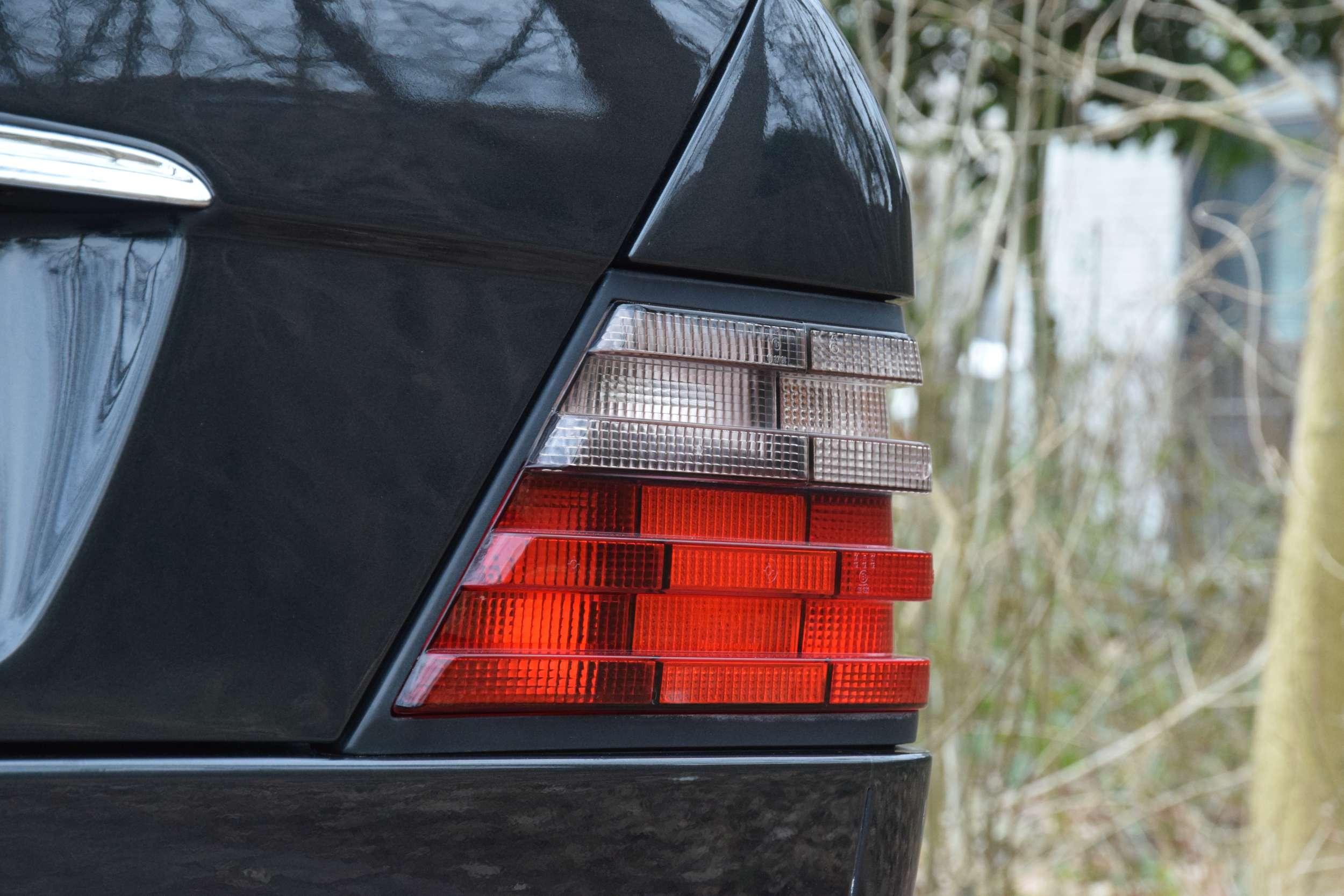 Mercedes E500 64